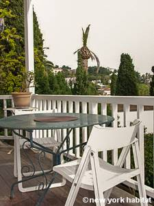 logement dans le sud de la france location meubl e studio t1 cannes c te d 39 azur pr 1142. Black Bedroom Furniture Sets. Home Design Ideas