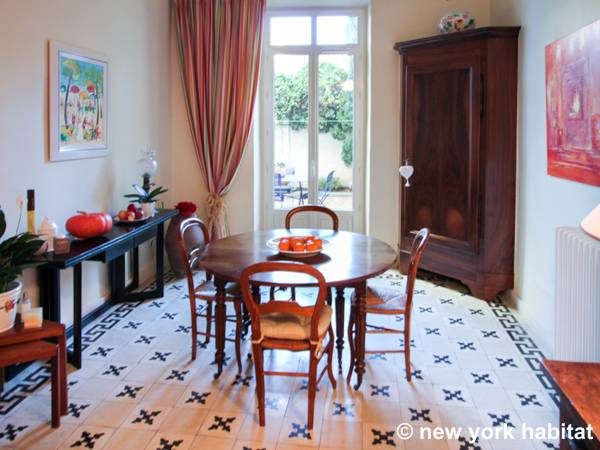 South of France Salon de Provence, Provence - 2 Bedroom apartment - Apartment reference PR-1179