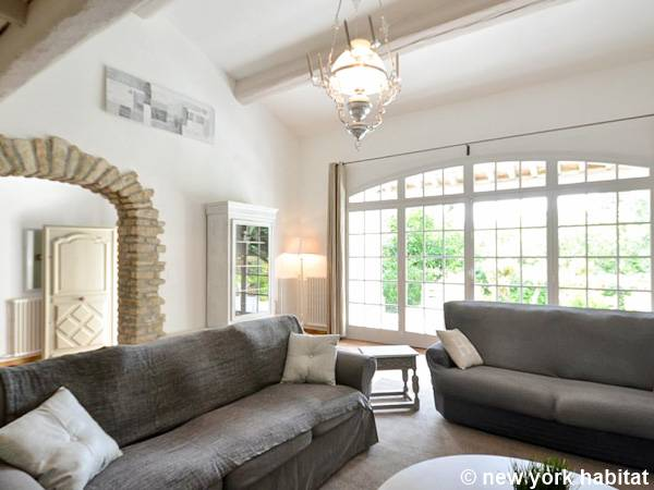 South of France L'Isle sur la Sorgue, Provence - 4 Bedroom accommodation - Apartment reference PR-1221