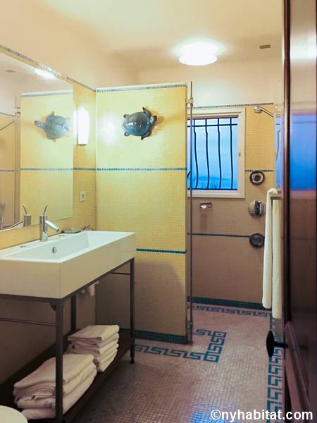 South of France - French Riviera - 4 Bedroom - Villa accommodation - bathroom 1 (PR-1229) photo 1 of 2