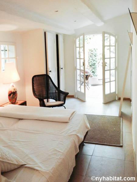 South of France - French Riviera - 4 Bedroom - Villa accommodation - bedroom 2 (PR-1229) photo 1 of 2