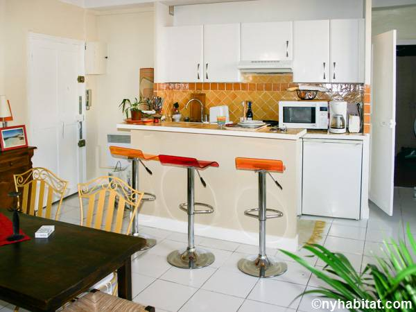 South of France - French Riviera - 1 Bedroom accommodation - kitchen (PR-1230) photo 2 of 3