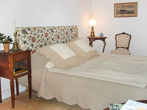 South of France - French Riviera - 4 Bedroom - Villa apartment - bedroom 1 (PR-1233) photo 2 of 2