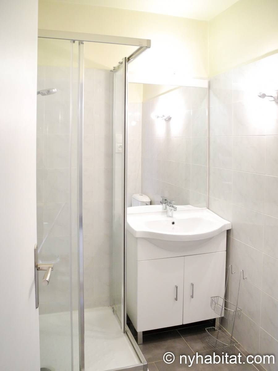 South of France - French Riviera - Studio apartment - bathroom (PR-1240) photo 2 of 2