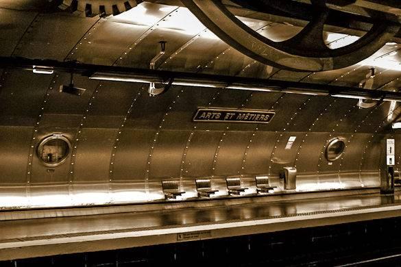 Arte en estaciones del Metro. Arts-metiers-estacion-paris-metro