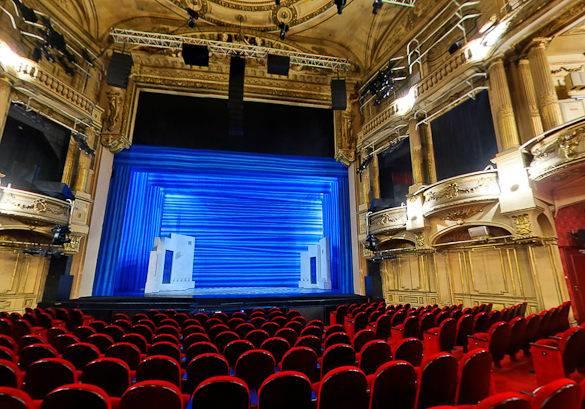 Fotografía del Theatre Mogador en París