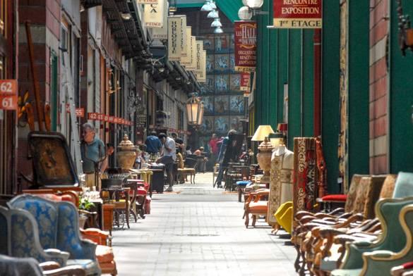Fotografía de las tiendas de antigüedades en el mercadillo St-Ouen