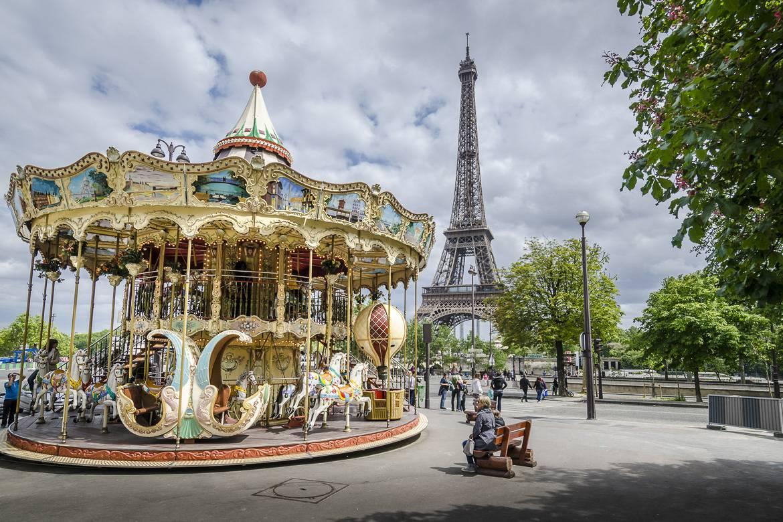 Fotografía del tiovivo de la Torre Eiffel