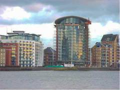 Docklands Accommodations: Stay near Canary Wharf