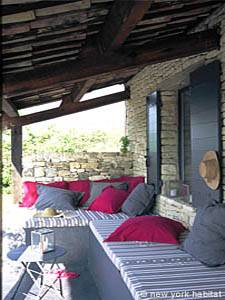 5 Bedroom Rental in Provence Luberon patio