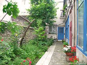 3 Bedroom Rental in Pere Lachaise Nation (PA-2472) entrance