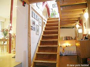 3 Bedroom Rental in Pere Lachaise Nation (PA-2472) stairs