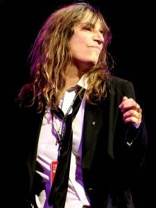 Photograph of Patti Smith singing by Diago Oliva