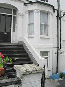 London Accommodation: 1-bedroom apartment in Williston (LN-586) picture