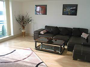 London Accommodation: 2-bedroom apartment in Canary Wharf