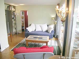 Paris Accommodation: 2-bedroom rental in Montmarte- Sacre Coeur (PA-2001)