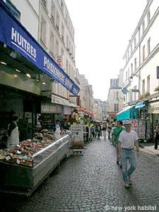 Rue Mouffetard Market – A Food Lover's Paradise in Paris