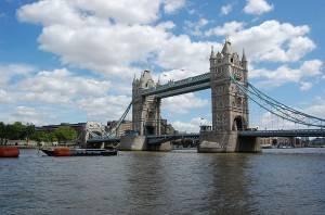 A beautifull view of the London Bridge