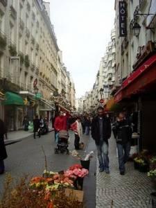 Discover Montorgueil, a lively pedestrian corner of Paris