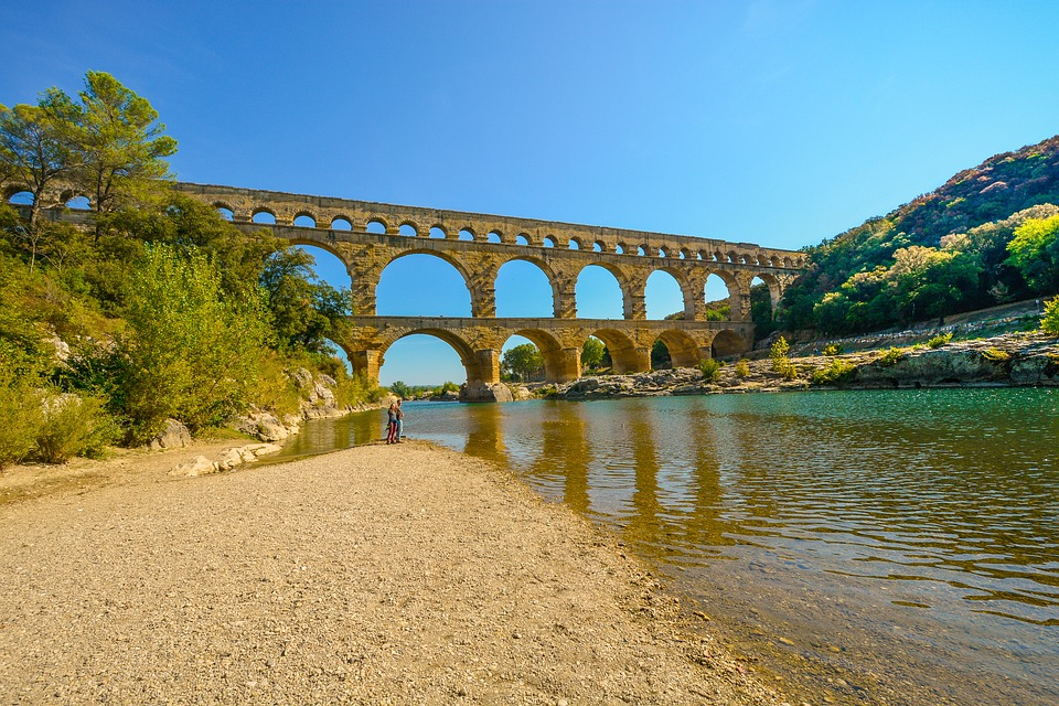 Image of Pont du Gard aqueduct in the South of France.