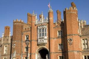 London Attraction: Hampton Court Palace