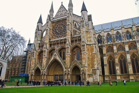 Picture of the north entrance of London's Westminster Abbey