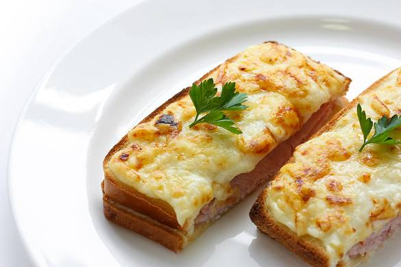 Image of a croque monsieur in Paris