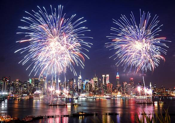 Image of fireworks on the 4th of July in New York City