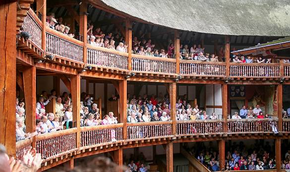 Image of the Globe Theatre in London in summer