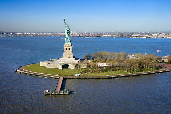 Picture of the Statue of Liberty in the New York Harbor