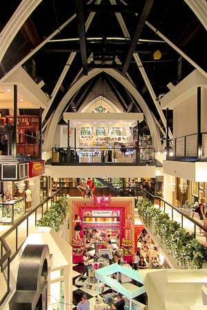Image of the interior of Limelight Shops in Chelsea