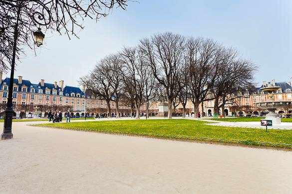 Picture of the Place des Vosges in Le Marais, Paris