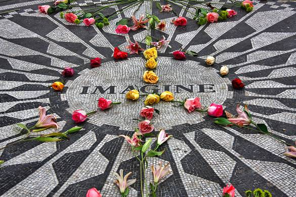 Image of Central Park's Imagine Memorial at the Strawberry Fields
