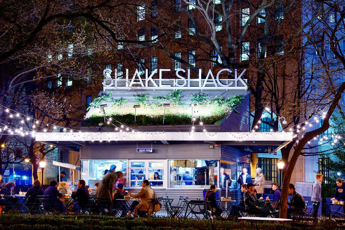 Picture of the New York City burger joint Shake Shack in Madison Square Park