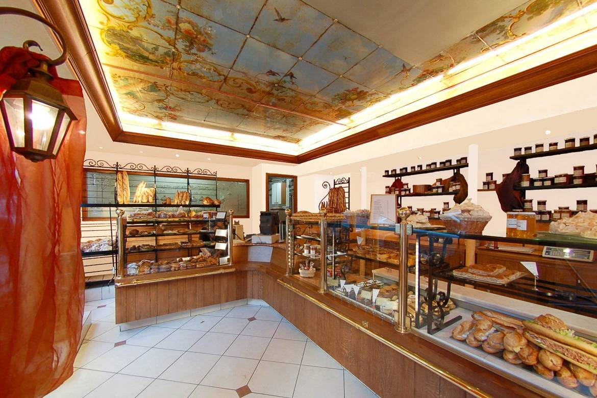 Image of the interior of Paris bakery Maison Landemaine