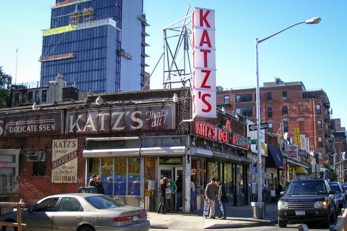 Picture of the Katz's Deli exterior