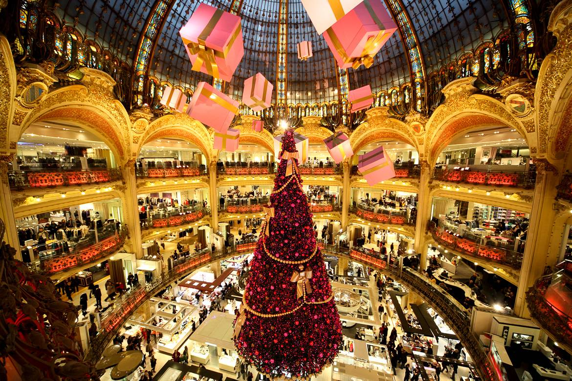 Image of the Galeries Lafayette at Christmastime