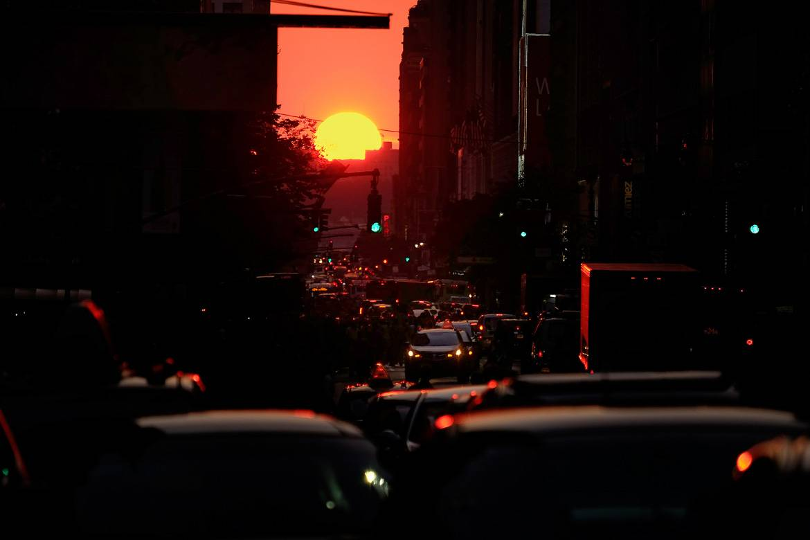 Parallel sunsets are a big hit for the bi-annual Manhattanhenge. Photo: Diana Robinson.