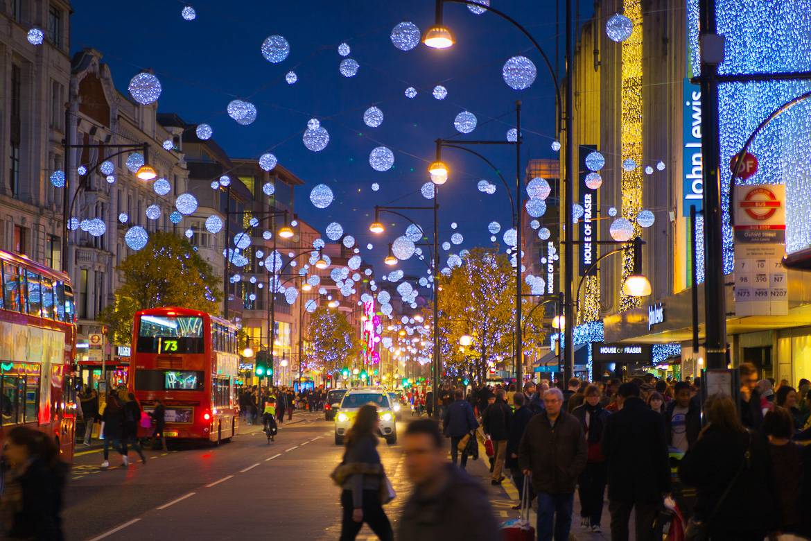 Image of shoppers on Oxford Street