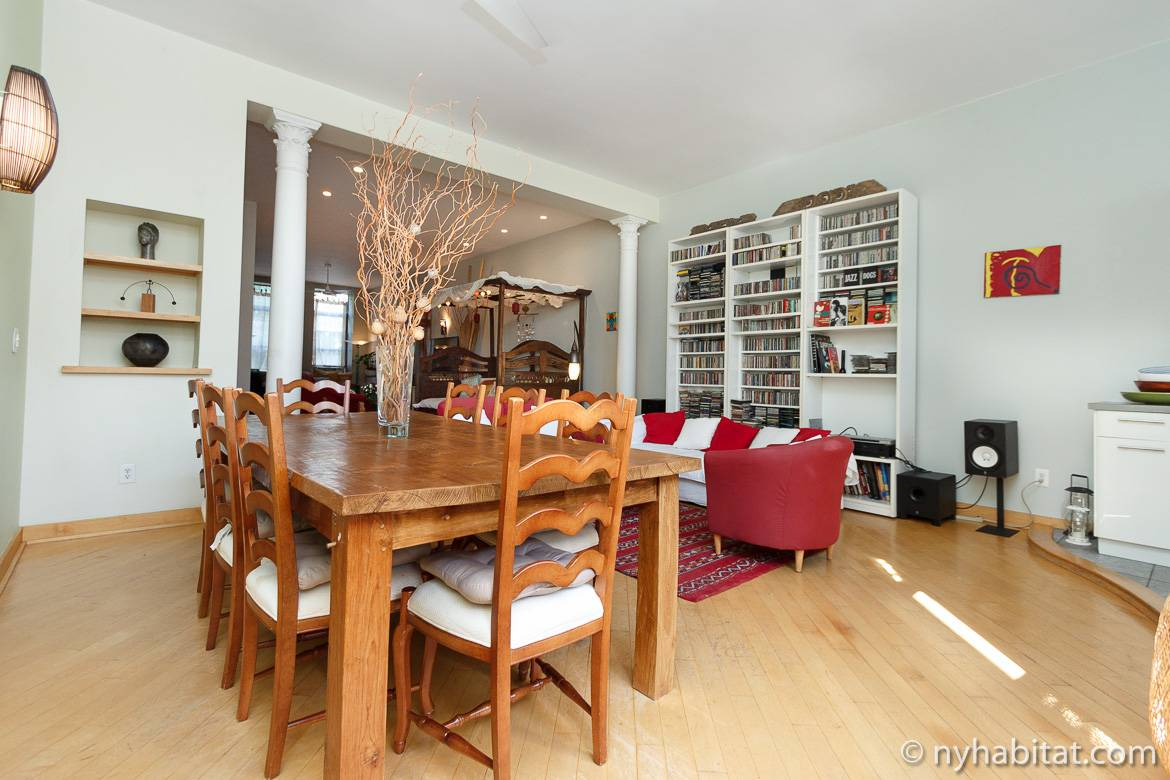 Image of living room 1 of apartment NY-11554