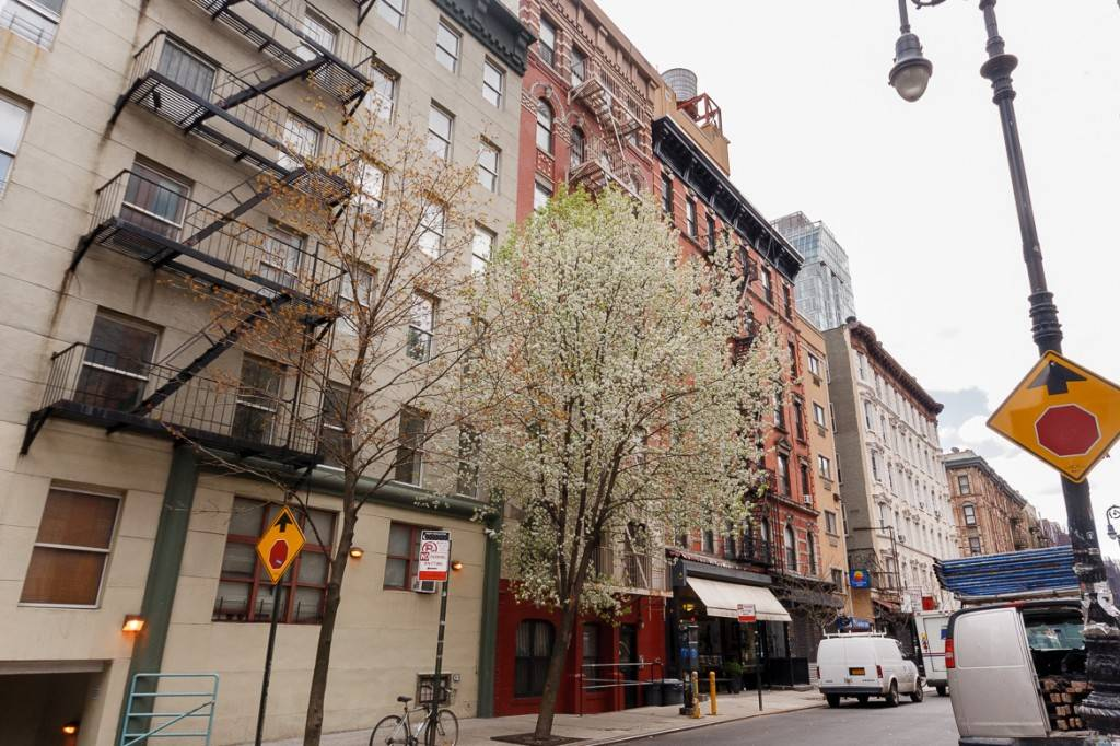 5 Things to Know About Fire Escapes in New York City : New ...