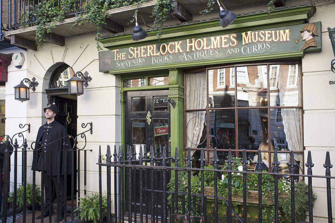 Image of the exterior of the Sherlock Holmes museum on Baker Street, London