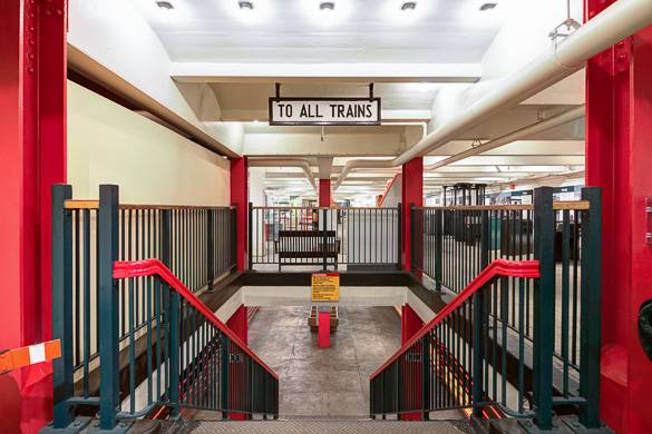 Image of the decommissioned subway concourse of the NYC Transit Museum