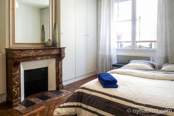 Image of a furnished studio rental in the 7th arrondissement, PA-4441