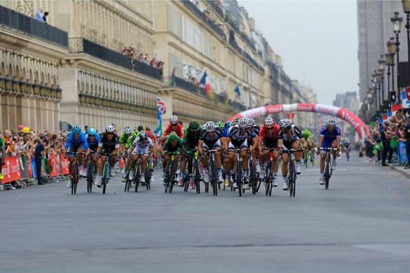 Image of Tour de France bikers in Paris