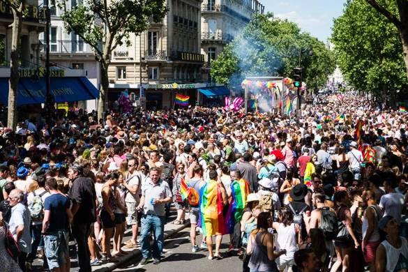 Image of a Gay Pride parade in Paris