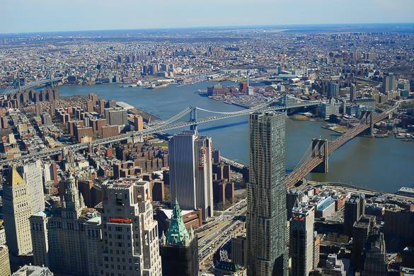 Panoramic view of the Brooklyn Bridge, the Manhattan Bridge, and Brooklyn