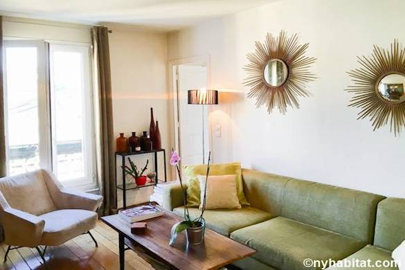 Image of living room of PA-4676 with green spring tones