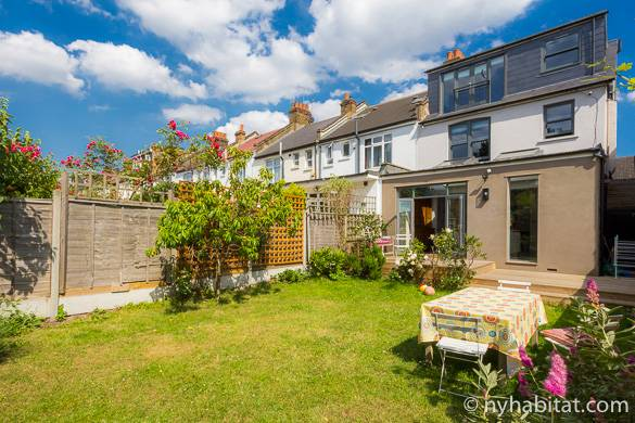 Image of the garden of vacation rental LN-1888 in Willesden