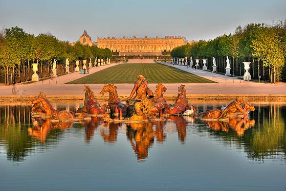 Image of a fountain at the Chateau de Versailles